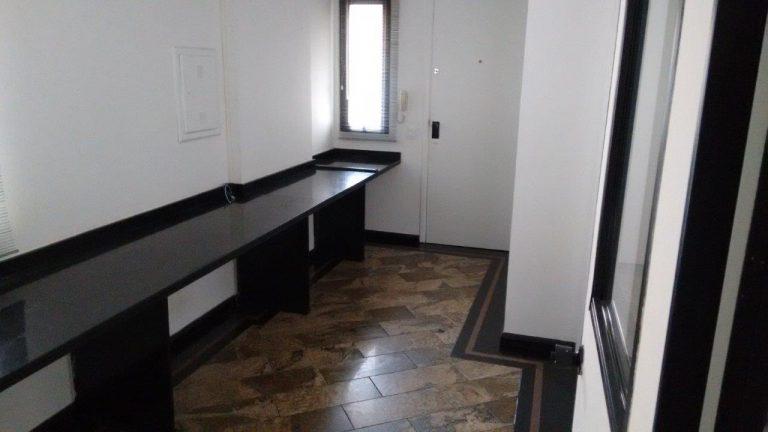 Ref. 177192 (Locação R$ 833,00 – Bela Vista) Conjunto Comercial c/ 42 m2 e 1 Vaga