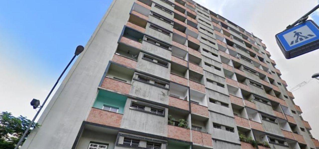 Ref. 199987 (Centro – Locação – R$ 1.100,00) – Kit c/30m2 e terraço